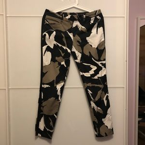 DNKY ARMY FLORAL PANTS